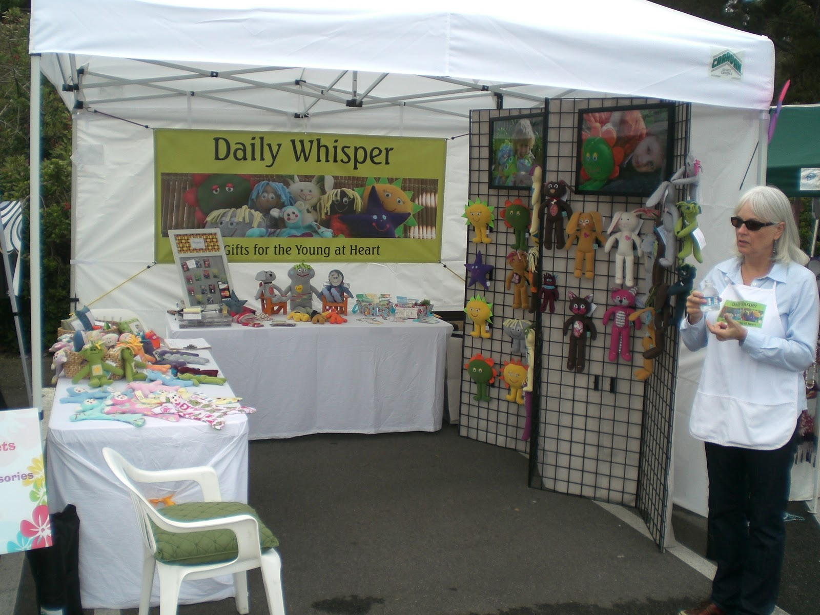 Craft fairs and craft booth ideas daily whispers for Daily photo ideas